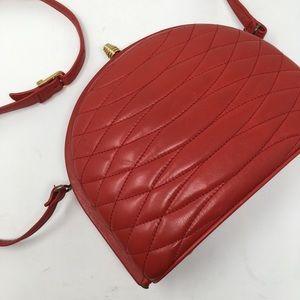 Vintage   red kiss lock cross body purse